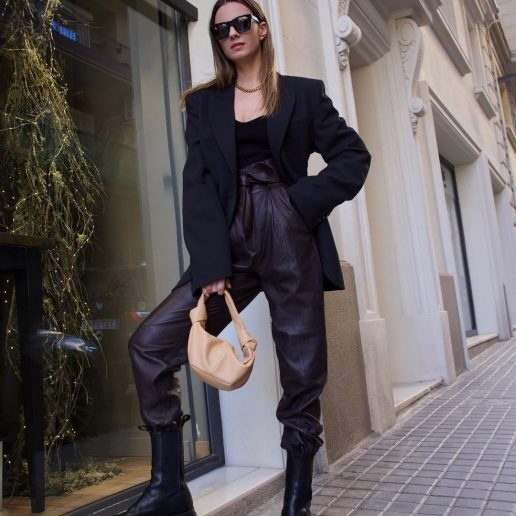 Essentials: 7 μαύρα blazer για τη γκαρνταρόμπα σας τώρα και πάντα