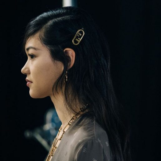 Hairpins: Το αξεσουάρ μαλλιών που είδαμε στον Fendi και θέλουμε να φορέσουμε τώρα