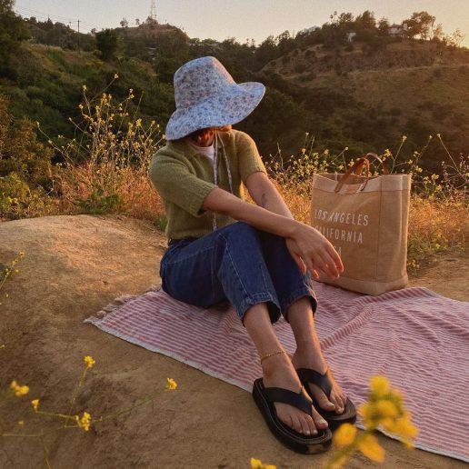 Flat Sandals: Η νέα τάση που τα επαναπροσδιορίζει για το καλοκαίρι του '21