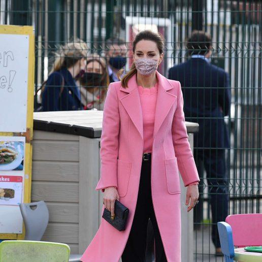 Celebrity Style: Το ροζ παλτό της Kate Middleton είναι η τέλεια ιδέα για την άνοιξη