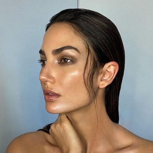 Facial Cupping: Η τεχνική για λαμπερό δέρμα στο σπίτι