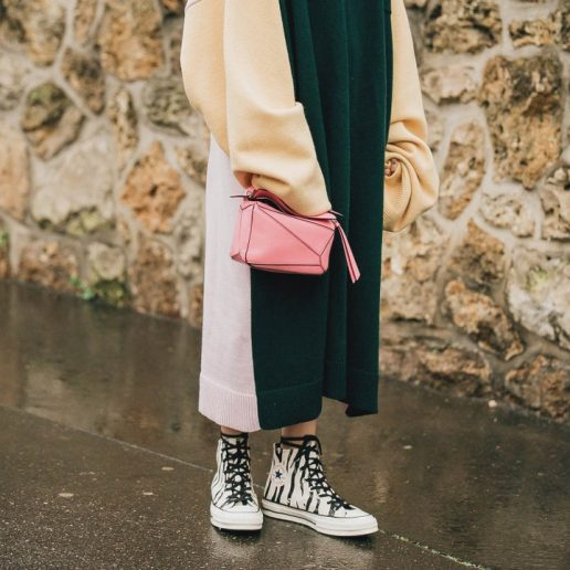Converse Sneakers: Oι street stylers μας δείχνουν πώς να τα συνδυάσουμε