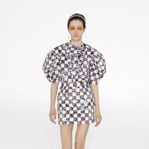 Ο Giambattista Valli σχεδίασε τα φορέματα που θα βάλουμε στο πρώτο πάρτι που θα πάμε
