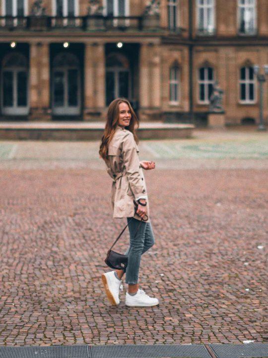 Tennis Shoes: Πώς να τα φορέσετε με στιλ όλη την ημέρα