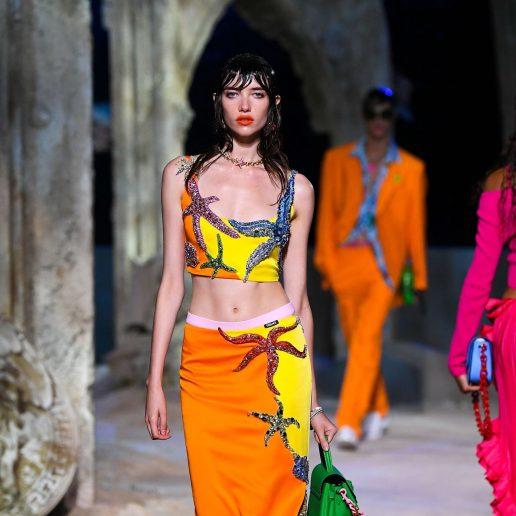 Shell Print: Η viral τάση που ανέδειξε ο οίκος Versace