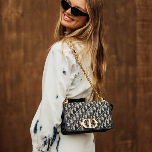 Tie Dye: Η Vogue επιλέγει τα πιο cool κομμάτια για αυτή την άνοιξη