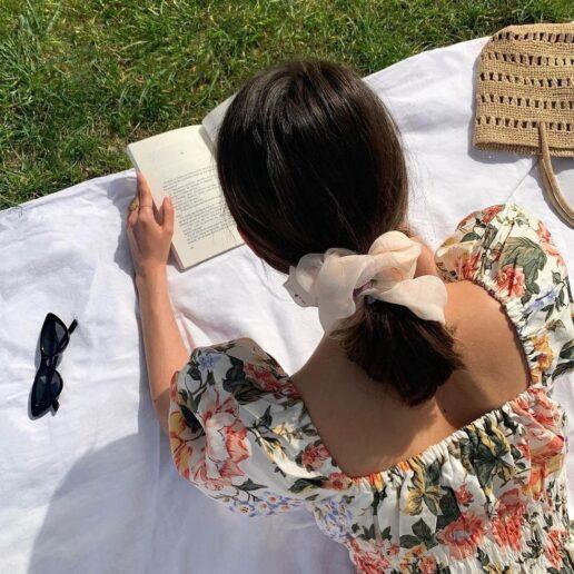 Smock-dress: Το νέο trendy φόρεμα του καλοκαιριού έχει την έγκριση της Vogue