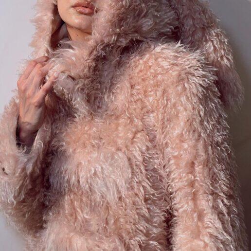 Burberry AW21: H Gigi Hadid παρακολούθησε το σόου του οίκου με το πιο cool outfit