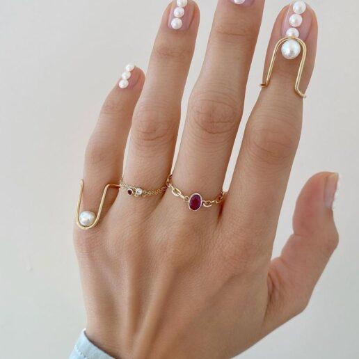 Pearl Manicure: Ιδέες για το πιο ρομαντικό μανικιούρ της άνοιξης