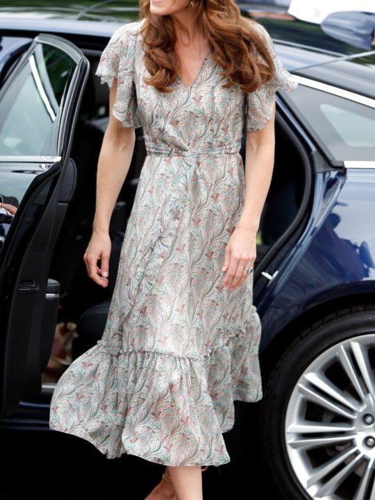 Εσπαντρίγιες: Πώς τις φοράνε οι πιο κομψές royals;
