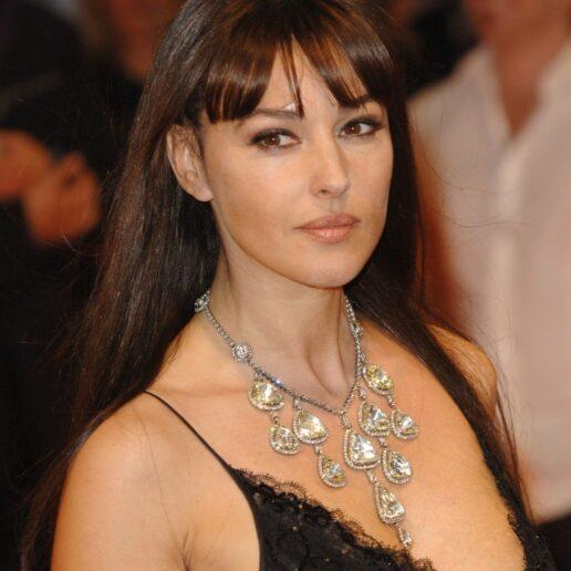 Monica Bellucci: Τα πιο εντυπωσιακά κοσμήματα που έχει φορέσει στο κόκκινο χαλί