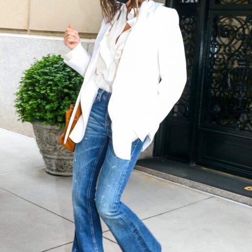Victoria Beckham: 5 τζιν καμπάνα για να αντιγράψετε το look της