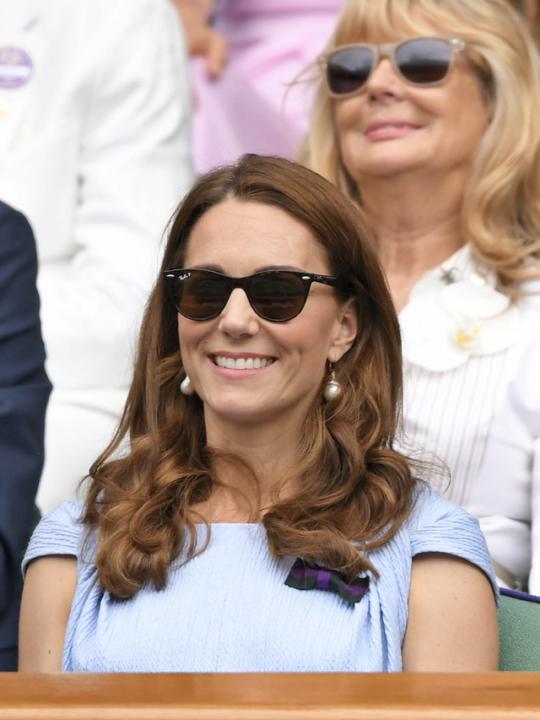 Τα γυαλιά ηλίου που φορούν οι royals