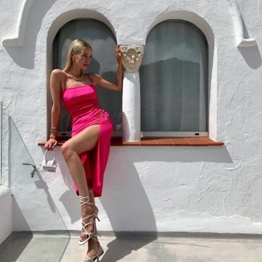 5 παπούτσια που συνδυάζονται τέλεια με τα cocktail φορέματά μας