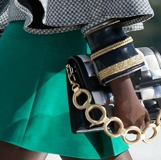 Chain bags: Πόσο έχει αλλάξει το κλασικό στυλ τους;