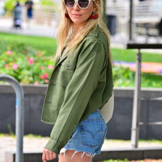 H Sienna Miller επαναφέρει το boho style