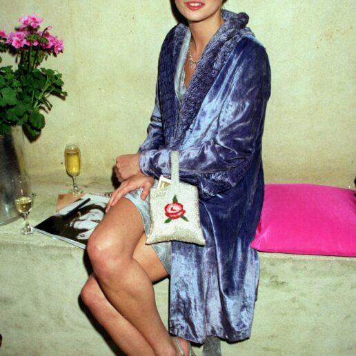 Kate Moss: 12 look της αποδεικνύουν πως είναι το απόλυτο καλοκαιρινό icon
