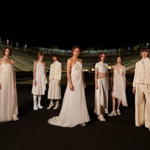Dior Cruise 2022 show: Τα πιο μαγευτικά look από το Καλλιμάρμαρο