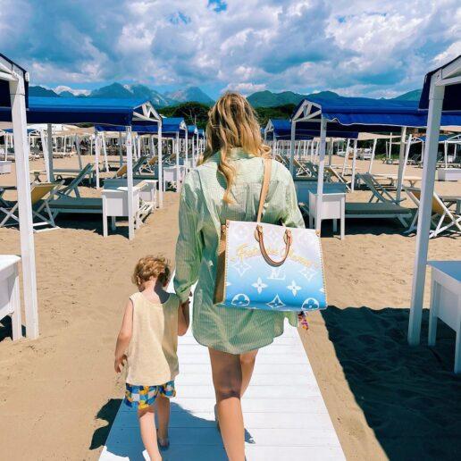8 beach bags για τα ωραιότερα στυλ στην παραλία