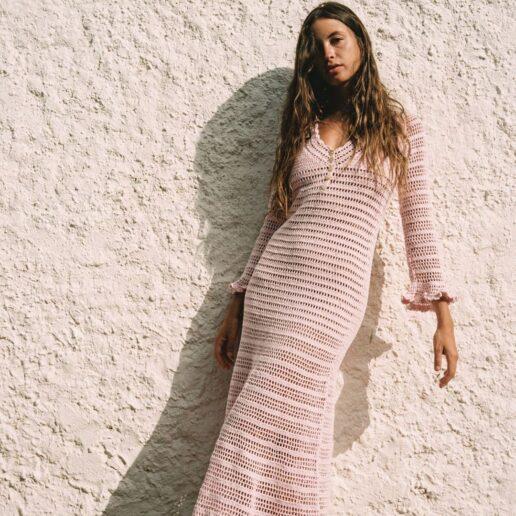 Τα ωραιότερα κροσέ φορέματα για 70s καλοκαιρινά look