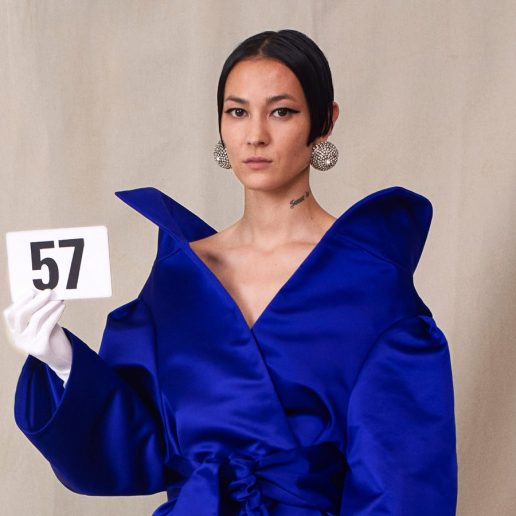 5 στιγμές από την πρώτη Couture συλλογή του Demna Gvasalia για τον οίκο Balenciaga