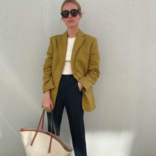 Λινό jacket: Τα ωραιότερα σχέδια που θα φοράμε μέχρι το φθινόπωρο