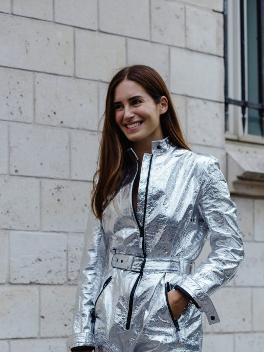 Πόσο συχνά πρέπει να λούζετε τα μαλλιά σας; Ο hair οδηγός της Vogue