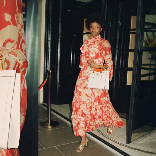Ο οίκος Gucci επανακυκλοφορεί την κλασική Diana bag από τα 90s