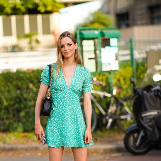Φορέματα + sneakers: 10 συνδυασμοί για το καλοκαίρι