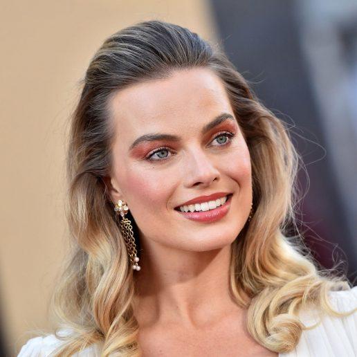 20 beauty looks της Margot Robbie που αξίζει να θυμηθούμε