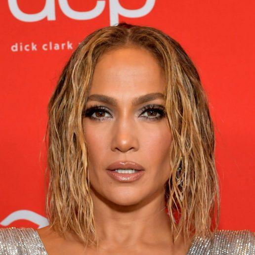 Η Jennifer Lopez αποκαλύπτει step by step την πρωινή ρουτίνα ομορφιάς της