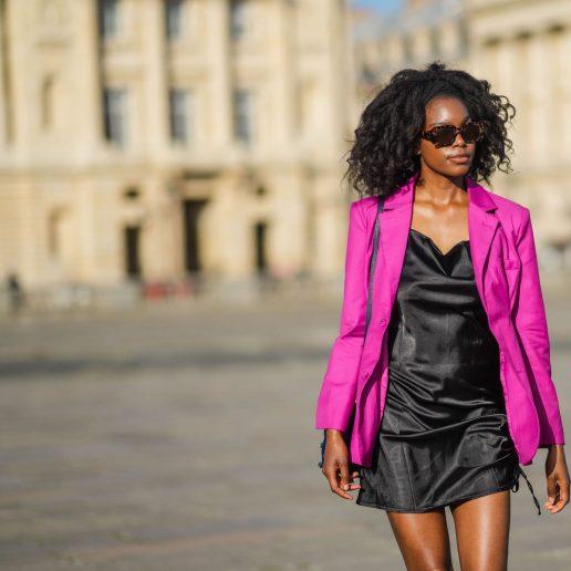 Satin dress: Το μίνι φόρεμα των καλοκαιρινών μας εξόδων