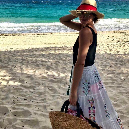 Beach Essentials: Ο οδηγός με τα 10 απαραίτητα items για το στυλ της παραλίας