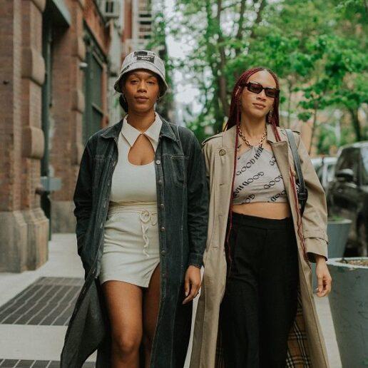 Nappy Head Club: Δύο κορίτσια πίσω από το νέο black-owned fashion brand που ταράζει τα…