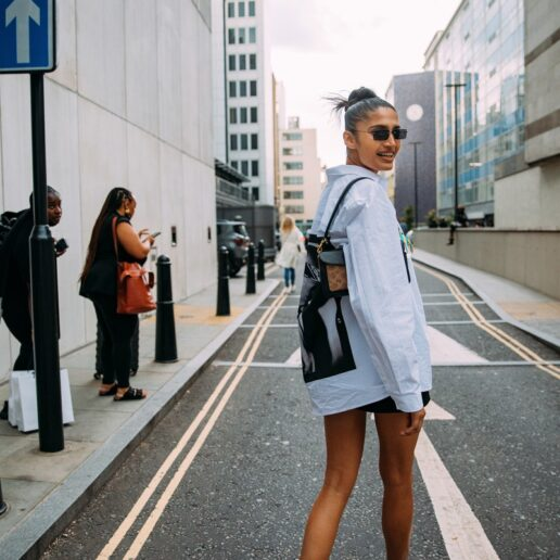 London Fashion Week: Το street style επέστρεψε πιο cool από ποτέ