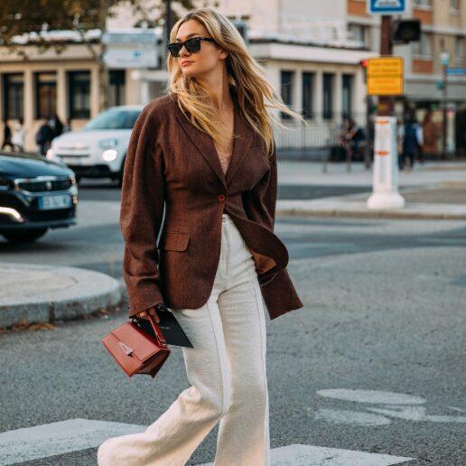 """Καφέ αποχρώσεις: To street style στο Παρίσι λέει """"ναι"""""""