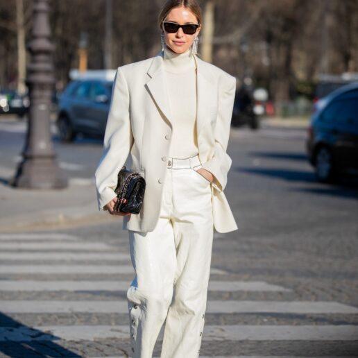 Λευκό blazer: 3 τρόποι να φορέσετε το πιο chic κομμάτι της ντουλάπας σας