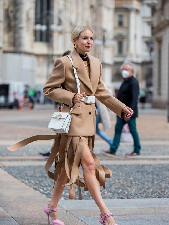 Η νέα πλισέ φούστα για το φθινόπωρο 2021