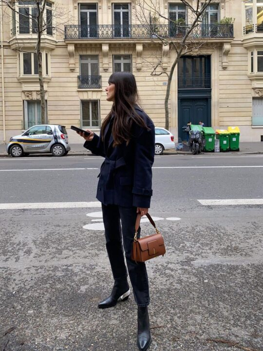 Black booties: Ο οδηγός της Vogue με τα ωραιότερα μαύρα μποτάκια