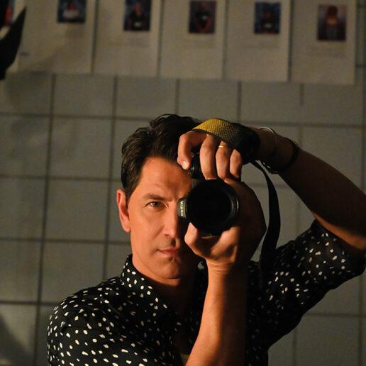 Ο Σάκης Ρουβάς και το αγαπημένο του αντικείμενο στη Vogue Greece