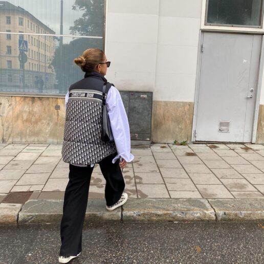 Puffy vest: Το jacket που φοράμε συνέχεια αυτή την εποχή