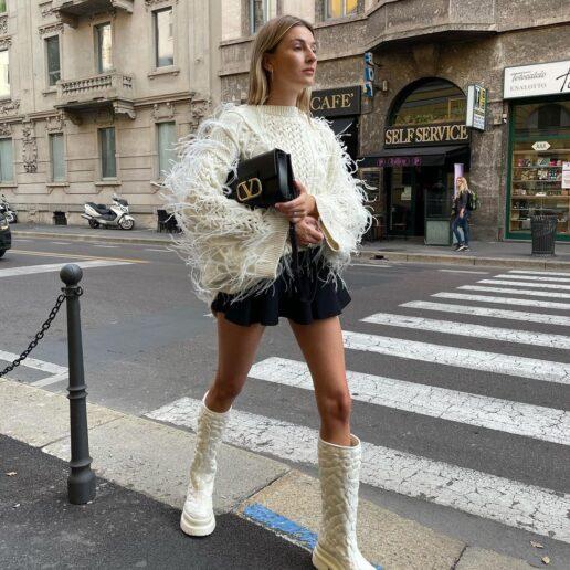 Αυτές είναι οι μπότες που φορούν τώρα οι Γαλλίδες
