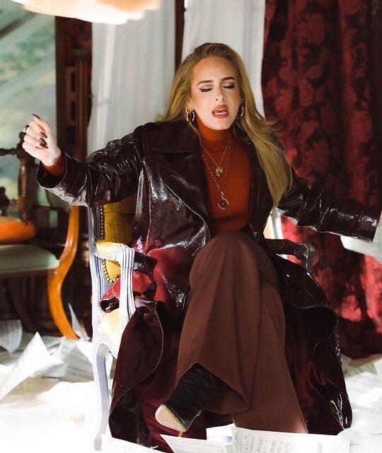 5 burgundy βερνίκια νυχιών για να αντιγράψετε το μπορντό μανικιούρ της Adele