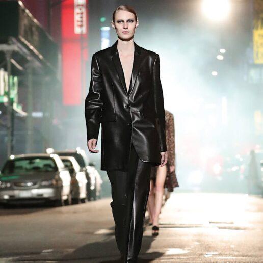 Δερμάτινο παντελόνι: Τα styling tricks για το χειμώνα