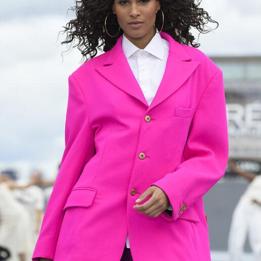 Το catwalk της L'Oréal Paris ήταν αφιερωμένο στη γυναικεία ενδυνάμωση