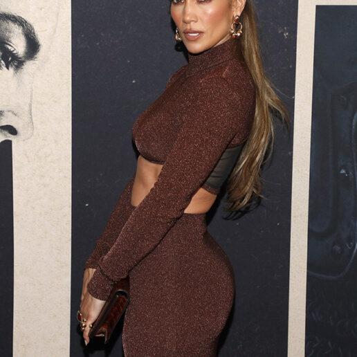 Η Jennifer Lopez μας δείχνει πώς θα φορέσουμε το chocolate brown