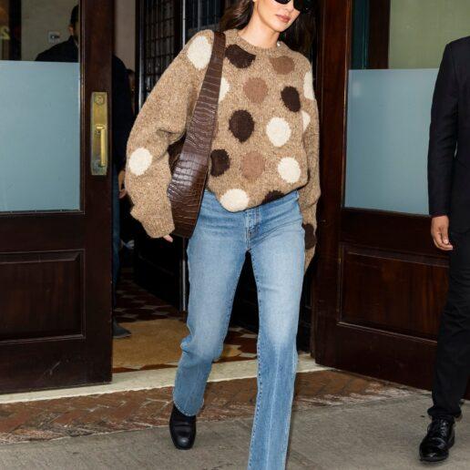 H Kendall Jenner με το comfort chic look του φθινοπώρου