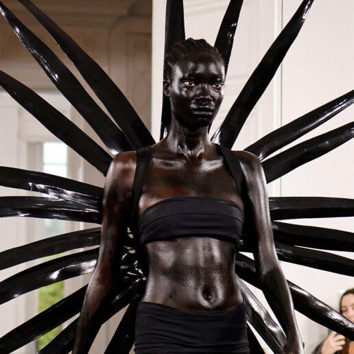 Οι 11 πιο viral στιγμές της Fashion Week