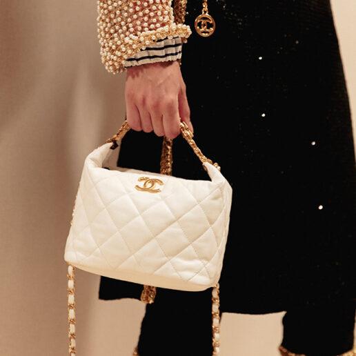 7 vintage Chanel κομμάτια που θα φοράτε για πάντα