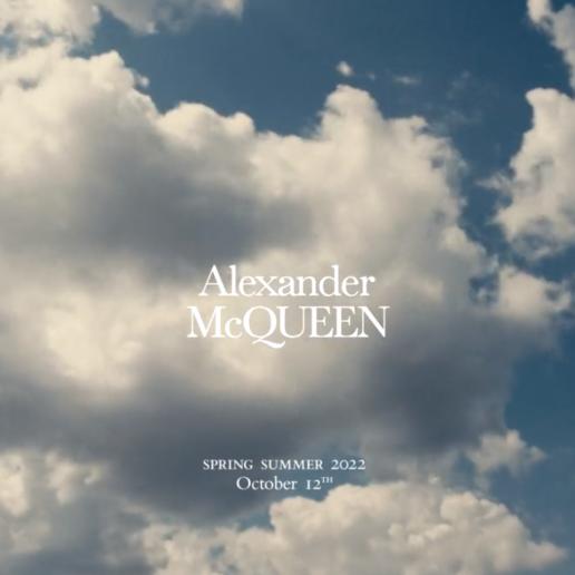 Δείτε live το SS22 show του Alexander McQueen